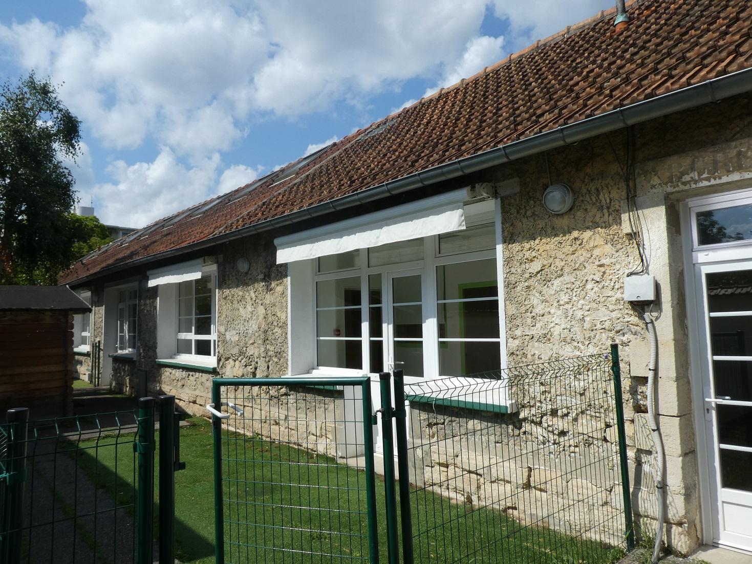 Architecte La Varenne St Hilaire location immobilier professionnel 300 m rer - batiment